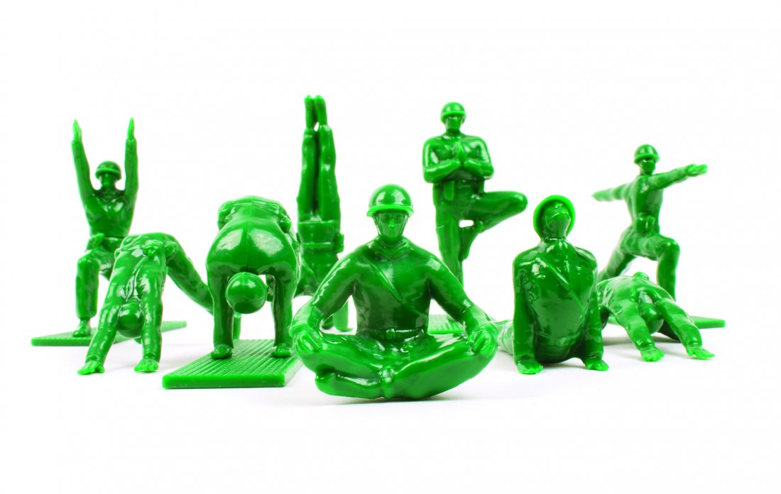 Brogamats,Yoga Joes, 2014,ABS-Plastik, Foto: Mark Wickens Photography