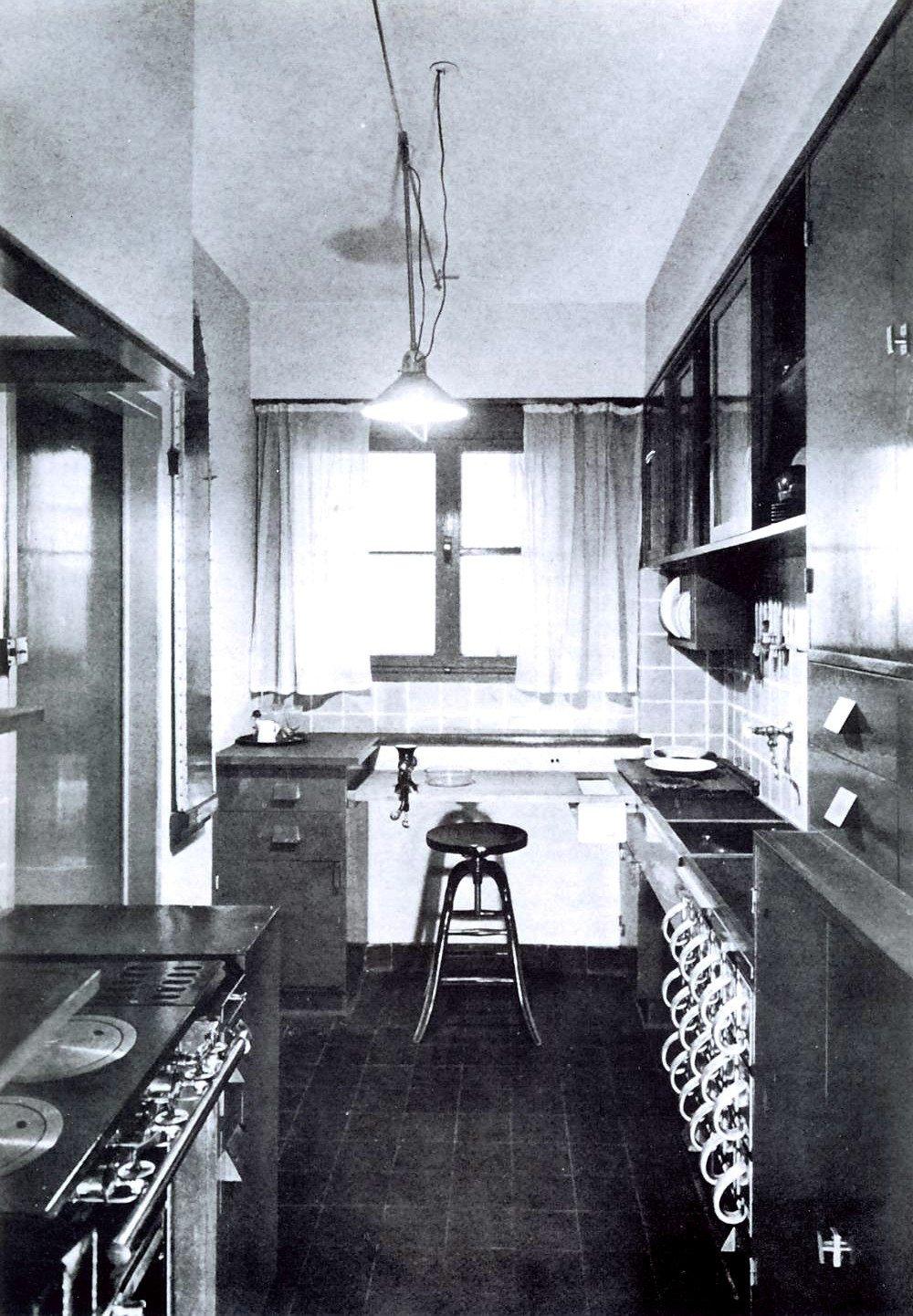 frankfurter k che museum angewandte kunst. Black Bedroom Furniture Sets. Home Design Ideas