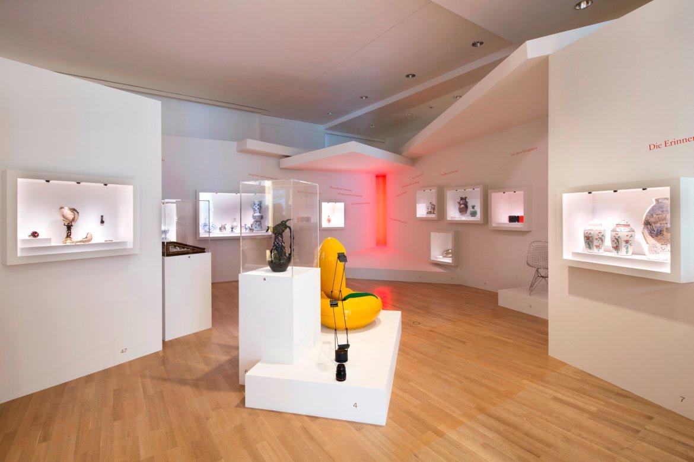 elementarteile museum angewandte kunst. Black Bedroom Furniture Sets. Home Design Ideas