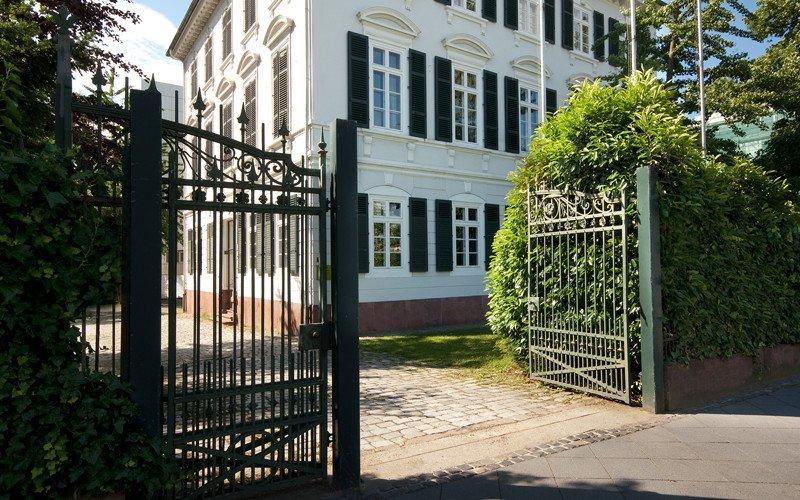 historische villa metzler museum angewandte kunst. Black Bedroom Furniture Sets. Home Design Ideas
