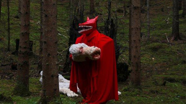 ingrid_torvund_film-magic_blood_machine_2012.jpg