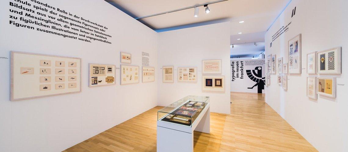 100 jahre neue typografie museum angewandte kunst for Graphic design frankfurt